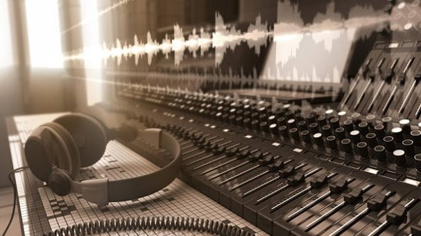 How do Recording Studios get that top notch Sound?